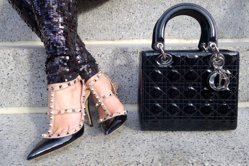 sequin leggings, valentino rockstud pumps, dior lady dior bag, the-alyst.com