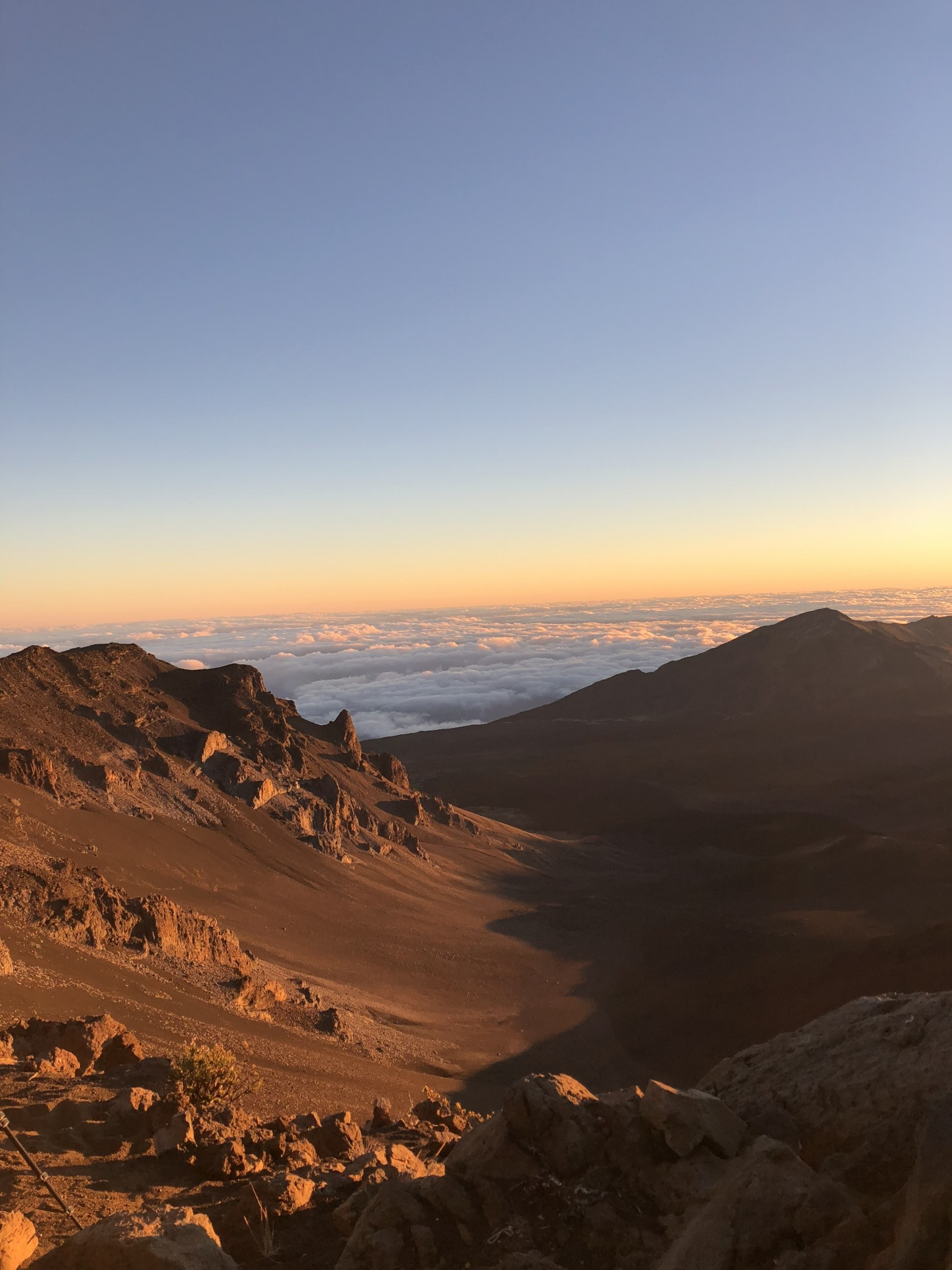 sunrise at haleakala national park, maui, the-alyst.com