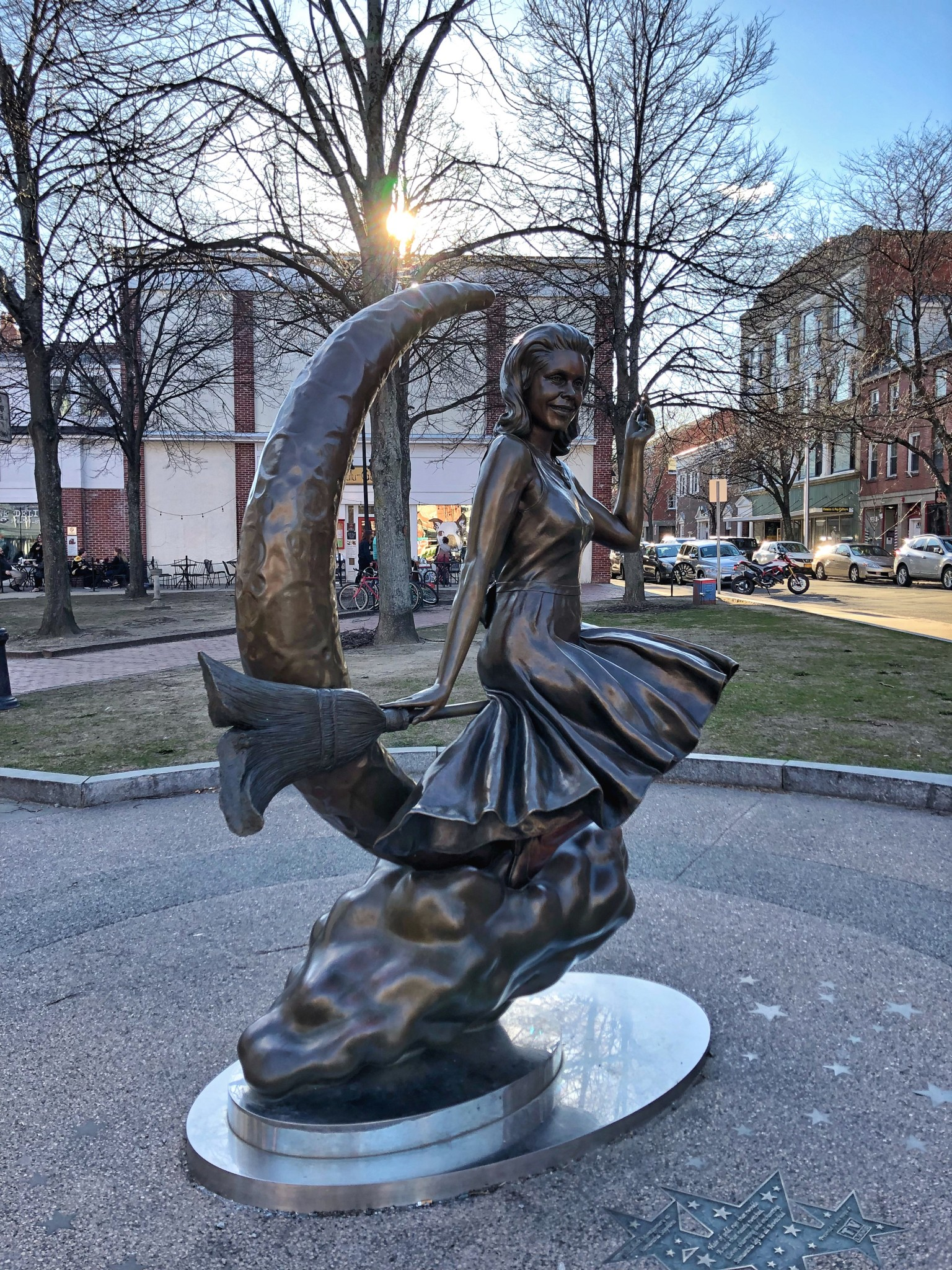 bewitched statue, salem, massachusetts, the-alyst.com