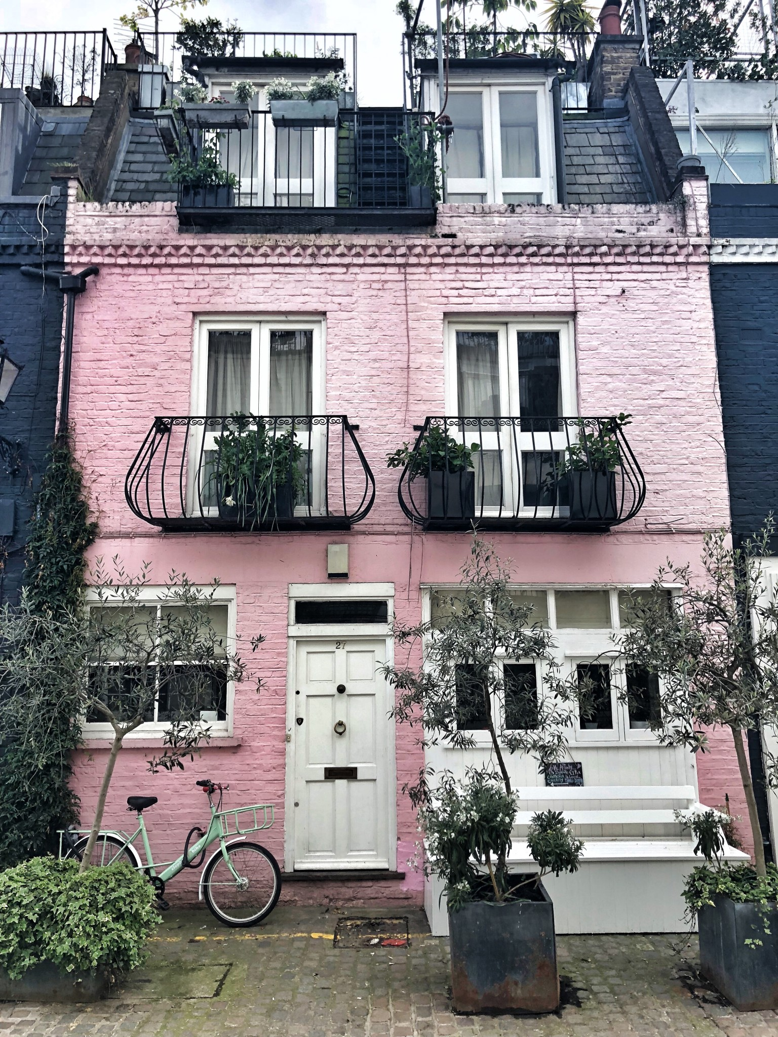 st. luke's mews, most instagrammable places in london, the-alyst.com