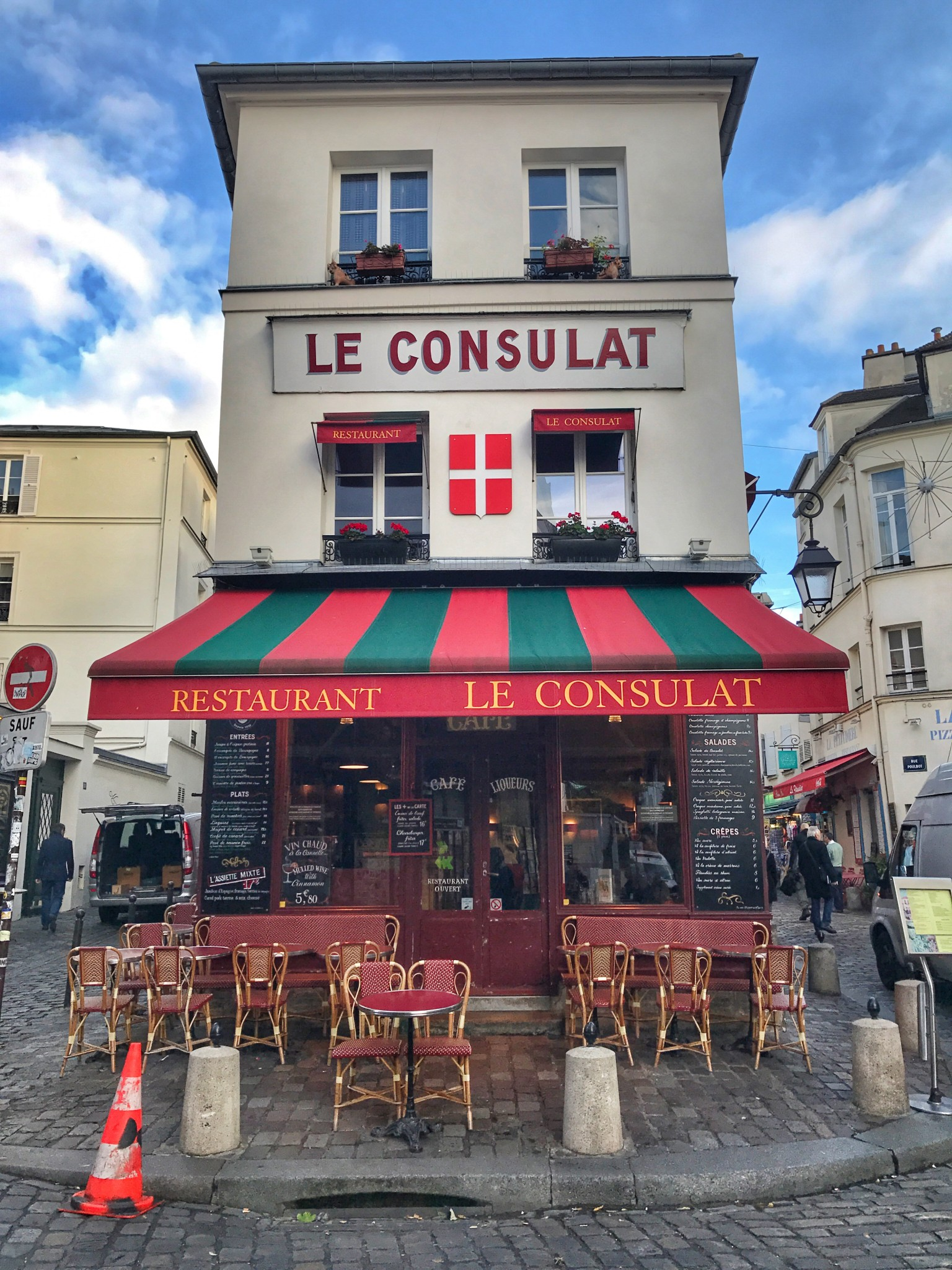 le consulat, montmatre, paris, the-alyst.com