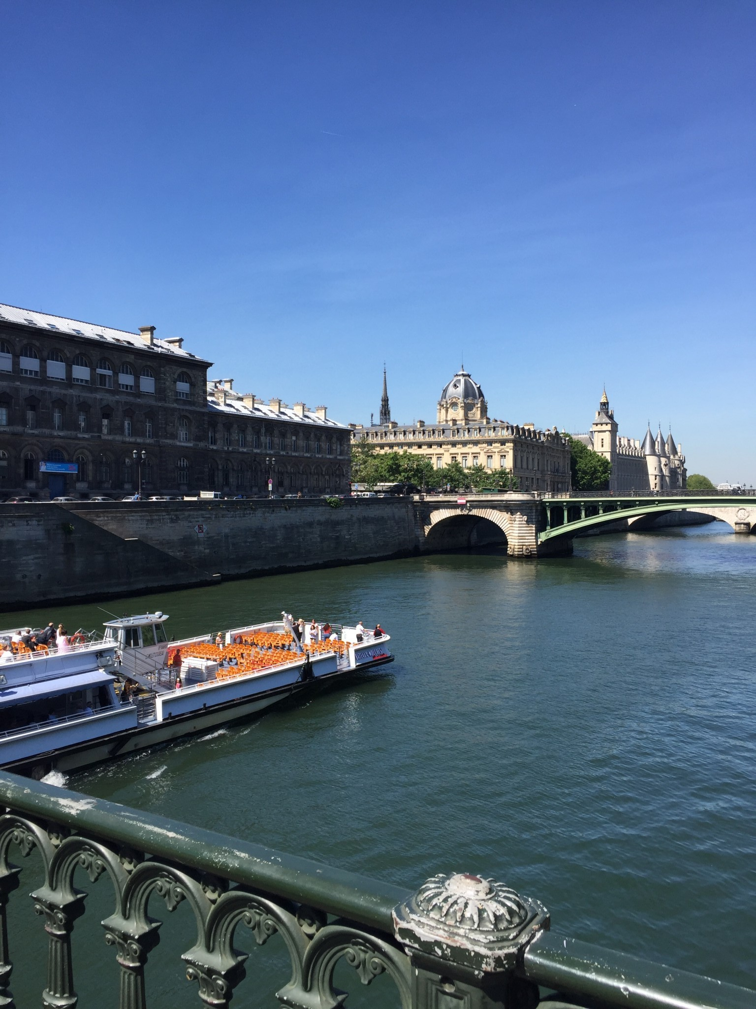river seine, paris, the-alyst.com