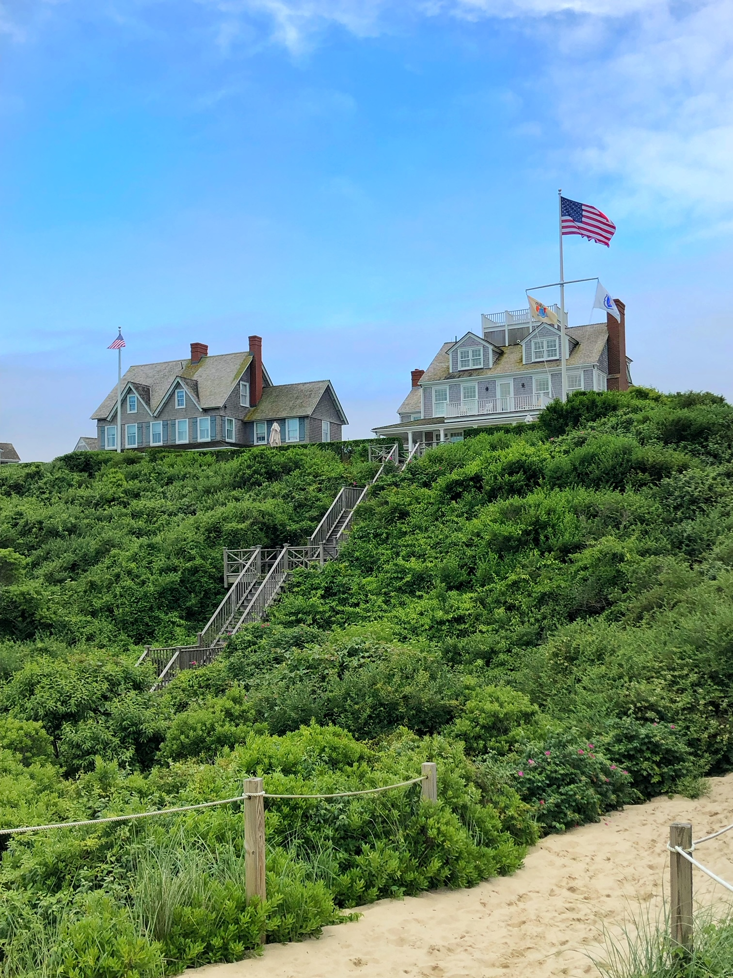 steps beach, nantucket, the-alyst.com